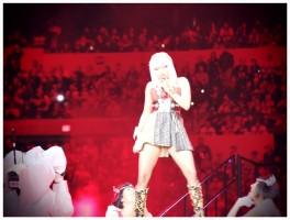 Backstage with Madonna at the Super Bowl - V Magazine (23)