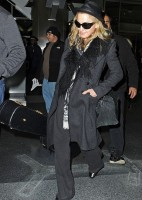 Madonna and Lourdes at JFK airport, 21 February 2012 (2)