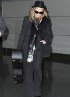 Madonna and Lourdes at JFK airport, 21 February 2012 (3)
