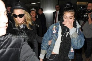 Madonna and Lourdes at JFK airport, 21 February 2012 - Update 3 (1)