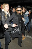 Madonna and Lourdes at JFK airport, 21 February 2012 - Update 3 (7)