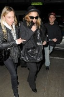 Madonna and Lourdes at JFK airport, 21 February 2012 - Update 3 (14)
