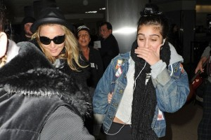 Madonna and Lourdes at JFK airport, 21 February 2012 - Update 3 (19)