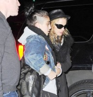 Madonna and Lourdes at JFK airport - 21 February 2012 UPDATE (8)