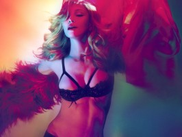 Madonna by Mert Alas and Marcus Piggott - MDNA booklet (4)