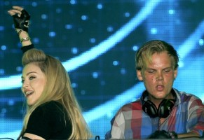 Madonna and Avicii at the Ultra Music Festival in Miami - 24 March 2012 (23)