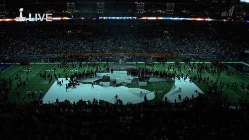 Madonna at the Super Bowl Halftime Show - 5 February 2012 - HD video (9)