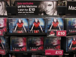 MDNA release party in the UK - HMV (20)