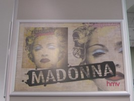 MDNA release party in the UK - HMV (29)