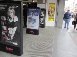 MDNA release party in the UK - HMV (32)