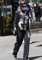 Madonna at the Kabbalah Centre in New York, 12 May 2012 (3)