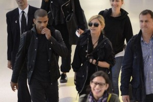 Madonna at JFK airport in New York - 24 May 2012 (4)