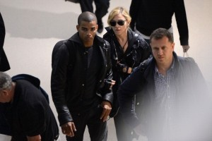 Madonna at JFK airport in New York - 24 May 2012 (10)