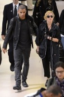 Madonna at JFK airport in New York - 24 May 2012 (11)