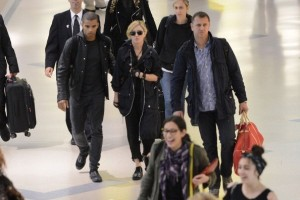 Madonna at JFK airport in New York - 24 May 2012 (17)
