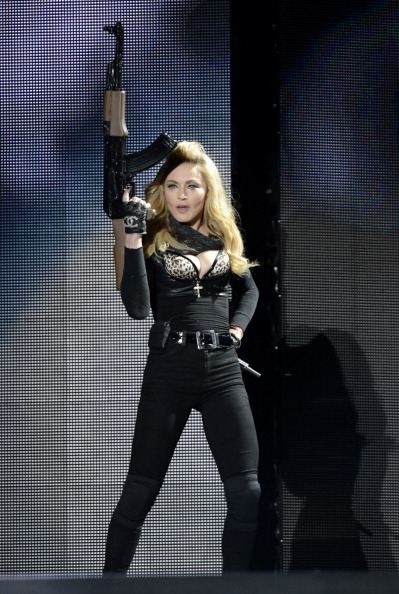 20120531-pictures-madonna-mdna-tour-tel-