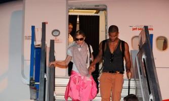 Madonna lands in Istanbul, Ataturk airport - 5 June 2012 (2)