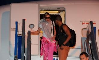 Madonna lands in Istanbul, Ataturk airport - 5 June 2012 (3)