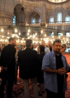 Madonna visits the Blue Mosque, Istanbul - 6 June 2012 (3)