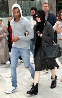 Madonna visits the Blue Mosque, Istanbul - 6 June 2012 (12)