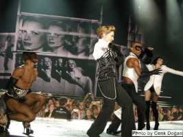 MDNA Tour - Istanbul - 7 June 2012 - Cenk Part 2 (2)