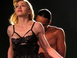 Madonna - MDNA Tour Istanbul - 7 June 2012 - Inci Erdogan (17)
