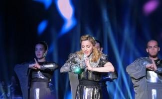 Madonna - MDNA Tour Istanbul - 7 June 2012 - Inci Erdogan (18)