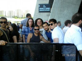 20120607-media-madonna-mdna-tour-istanbul-t-gd