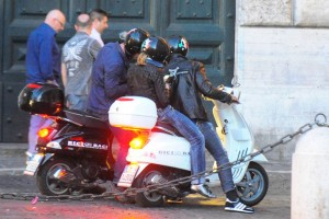 Madonna riding a Vespa in Rome - 13 June 2012 (14)