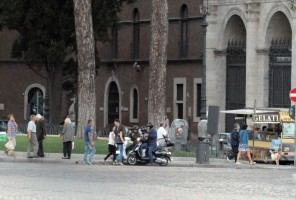 Madonna riding a Vespa in Rome - 13 June 2012 (34)