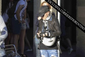 Madonna shopping at Ponte Vecchio in Florence, Italy - 15 June 2012 (4)