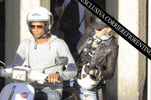 Madonna shopping at Ponte Vecchio in Florence, Italy - 15 June 2012 (6)
