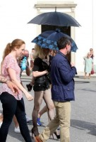 On the set of Turn up the Radio - Florence - Madonna (2)