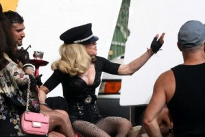 On the set of Turn up the Radio - Florence - Madonna (8)