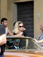 On the set of Turn up the Radio - Florence - Madonna (13)