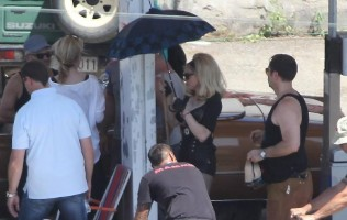 On the set of Turn up the Radio - Florence - Madonna (21)