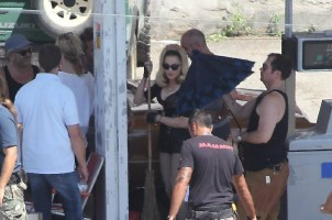 On the set of Turn up the Radio - Florence - Madonna (24)