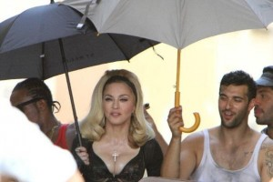 On the set of Turn up the Radio - Florence - Madonna (33)