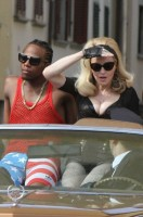 On the set of Turn up the Radio - Florence - Madonna (37)