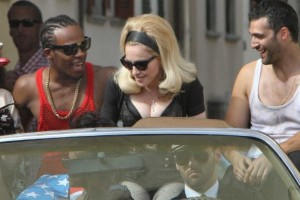 On the set of Turn up the Radio - Florence - Madonna (41)