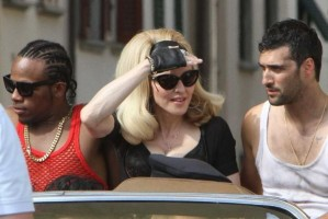 On the set of Turn up the Radio - Florence - Madonna (43)