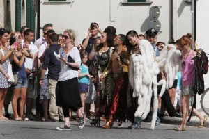 On the set of Turn up the Radio - Florence - Madonna (47)