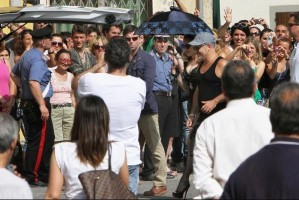 On the set of Turn up the Radio - Florence - Madonna (50)
