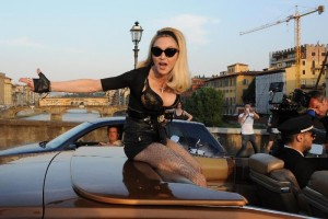 On the set of Turn up the Radio - Madonna - Florence - 19 June 2012 (3)