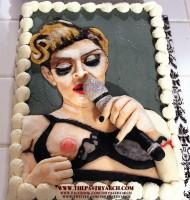 20120703-news-madonna-nip-slip-tony-albanese-cake
