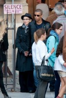 Madonna visiting the Notre Dame in Paris (16)