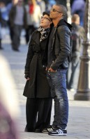 Madonna visiting the Notre Dame in Paris (23)