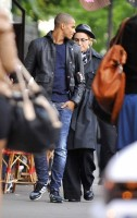 Madonna visiting the Notre Dame in Paris (27)