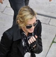 Madonna visits the Leopold Museum, Vienna - 30 July 2012 (8)