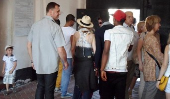 Madonna out and about in Kiev - 3 August 2012 (11)